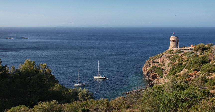 Jachta-dovolena-moře